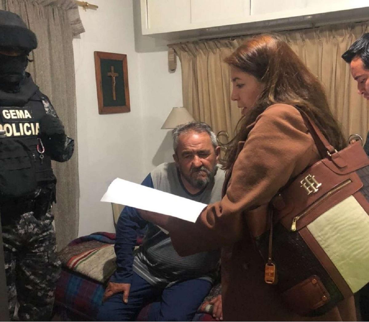 Photo of Padre de Gabriela Rivadeneira es detenido por presunta asociación ilícita