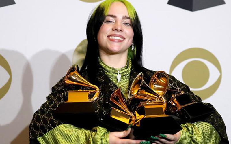 Photo of Billie Eilish actuará en los Óscar después de arrasar en los Grammy