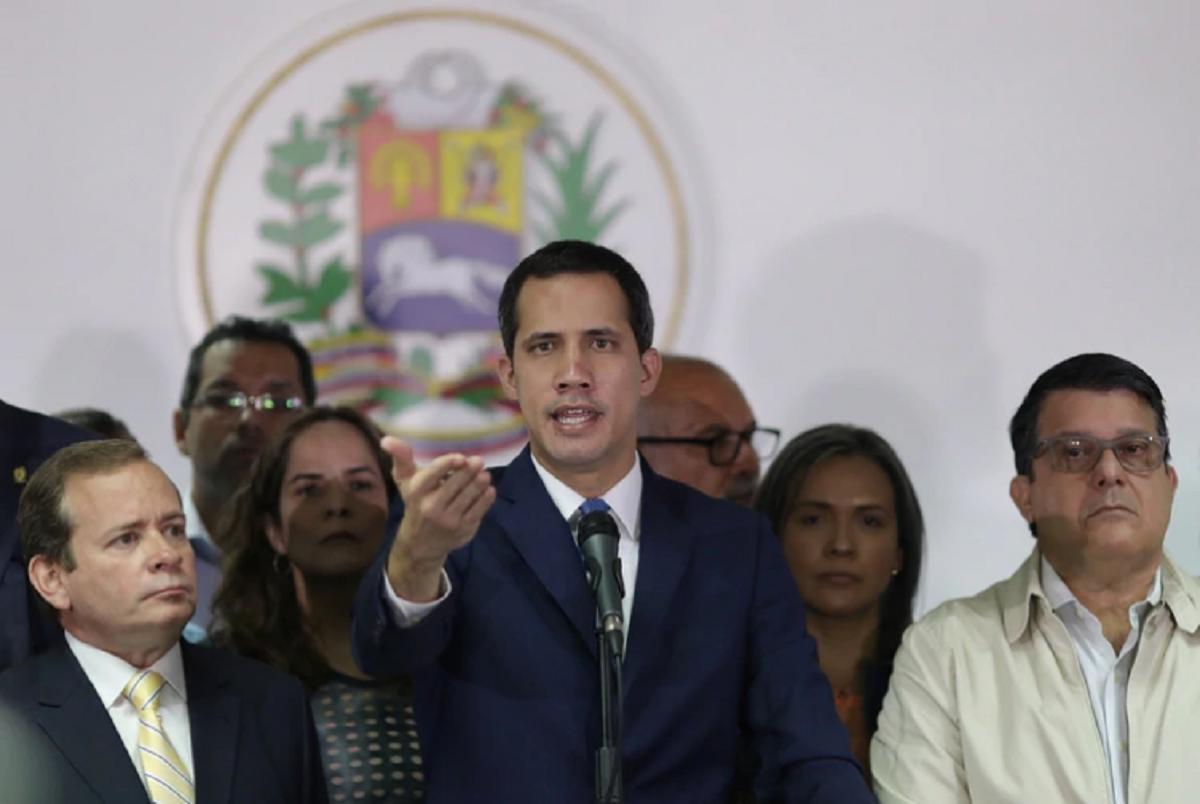 Photo of Guaidó exige liberar a presos políticos tras excarcelación de reos comunes