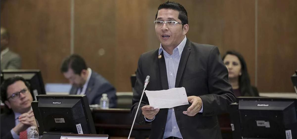 Photo of Legislador considera que presidenta del CNE debe ser censurada y destituida