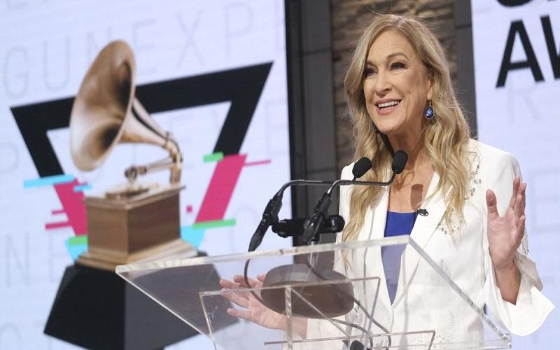 Photo of Cesan a la presidenta de los Grammy 10 días antes de la entrega de premios