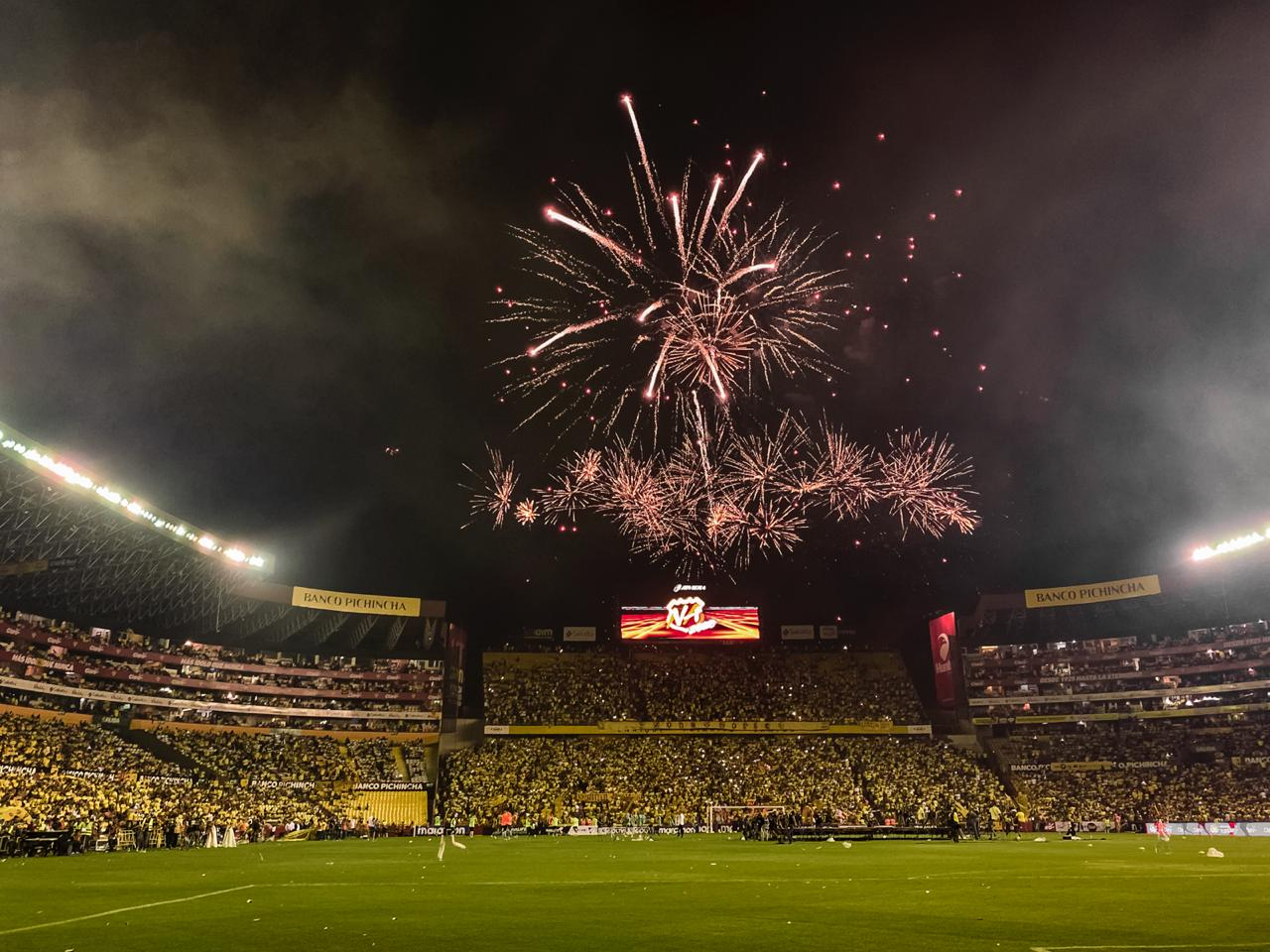 Impresionante, Majestuoso y Sublime!!!!! Revive todo lo que sucedió en La  Gran Noche Amarilla 2020 | Radio Huancavilca 830AM