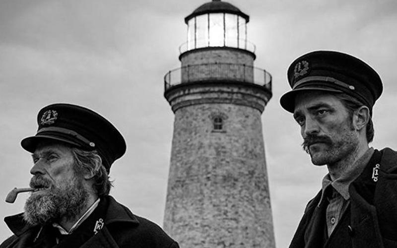 Photo of «El Faro», la espiral de delirio de Willem Dafoe y Robert Pattinson