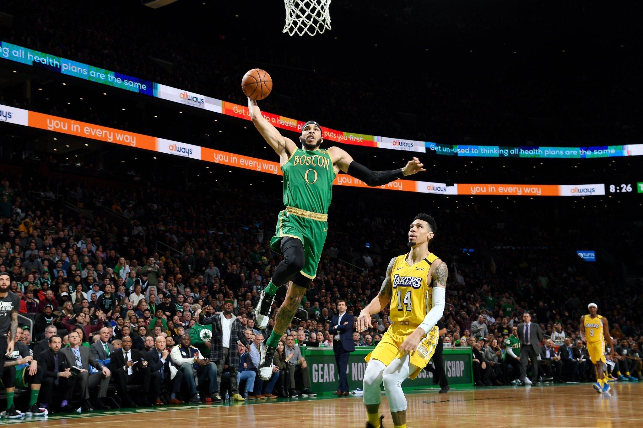 Photo of Kemba lidera la victoria de los Celtics sobre los Lakers