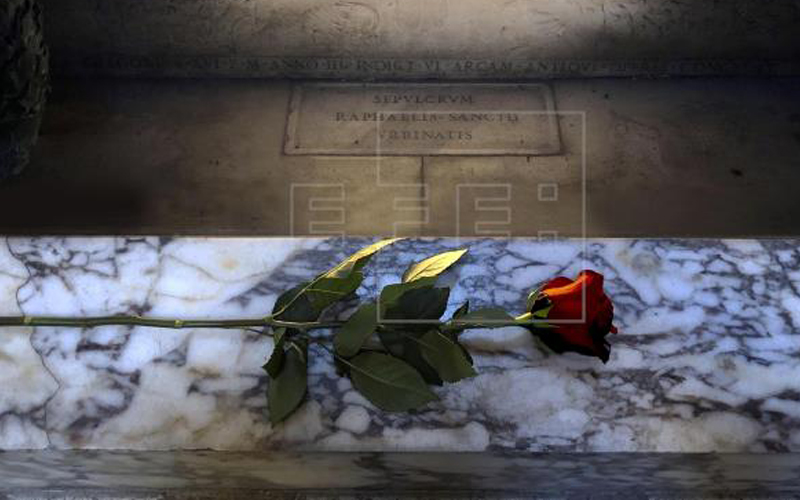 Photo of Una rosa sobre la tumba de Rafael en Roma recordará los 500 años de su muerte