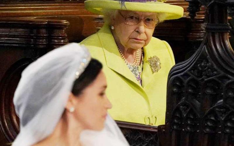 Photo of Isabel II, de reina de hielo a abuela compasiva: los errores que no quiere repetir con Harry y Meghan