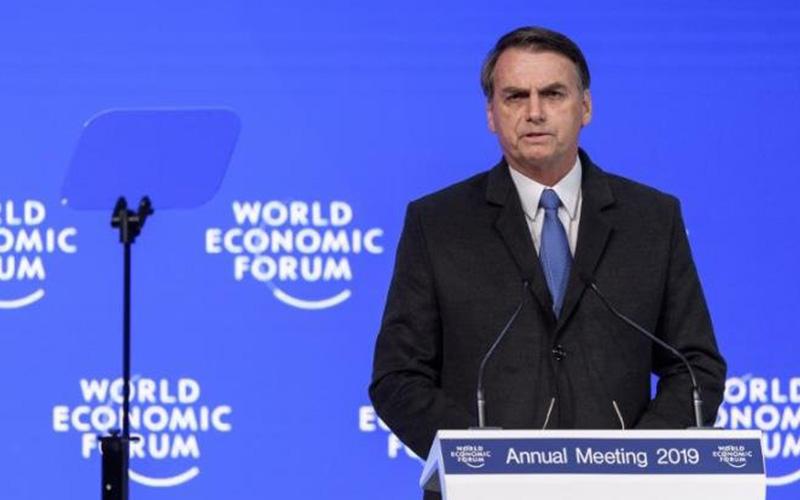 Photo of Bolsonaro destituye al secretario de Cultura tras video con referencias nazis