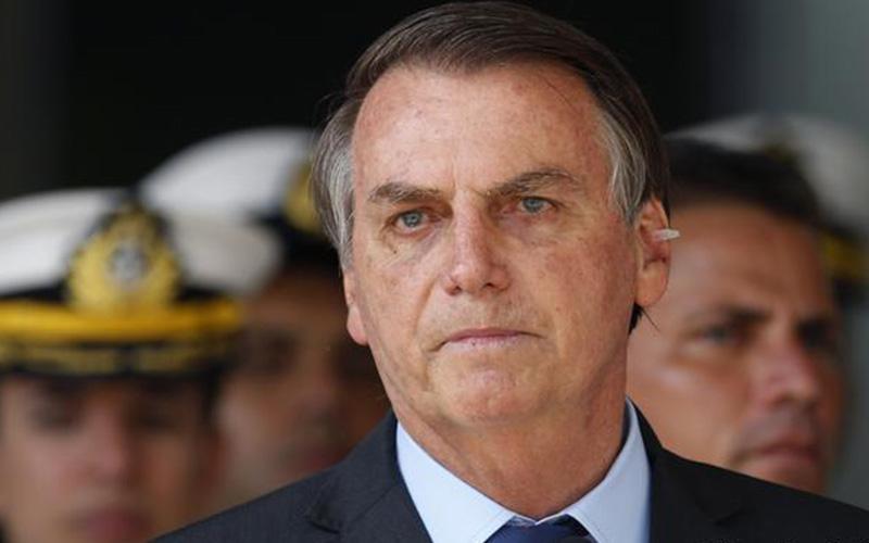 """Photo of Bolsonaro provoca a Macron y llama """"Mocosa"""" a Thunberg por incendios de Australia"""