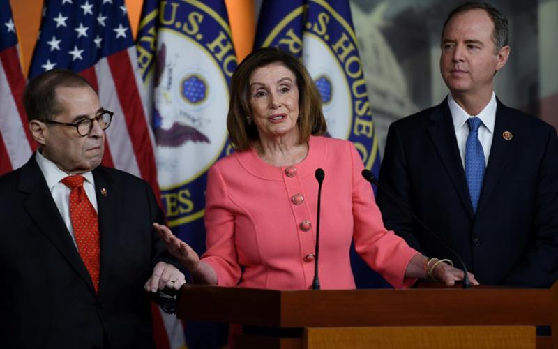 Photo of Cámara Baja de EEUU enviará artículos de juicio político de Trump al Senado