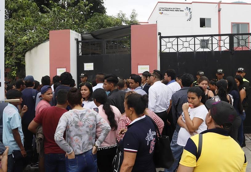 Photo of Más aspirantes a policías dan prueba en Guayaquil
