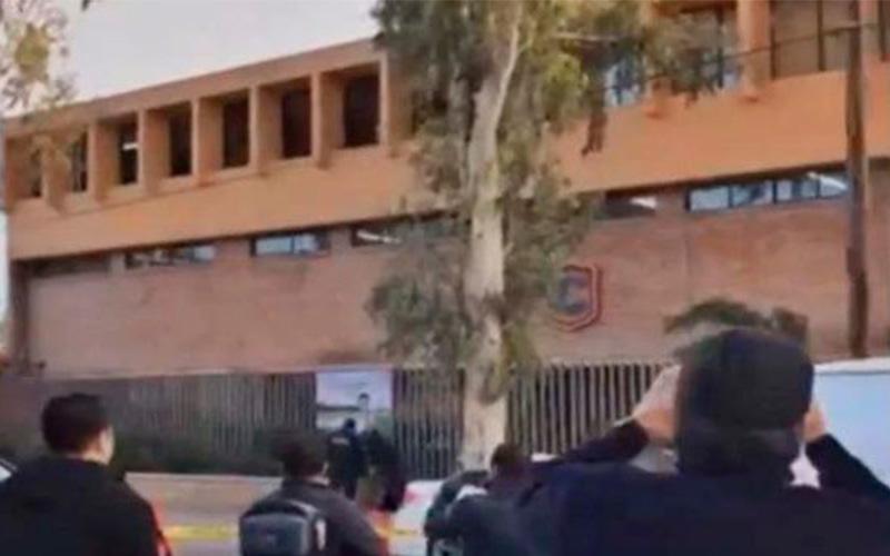 Photo of Tiroteo en escuela en México reaviva el polémico operativo Mochila Segura