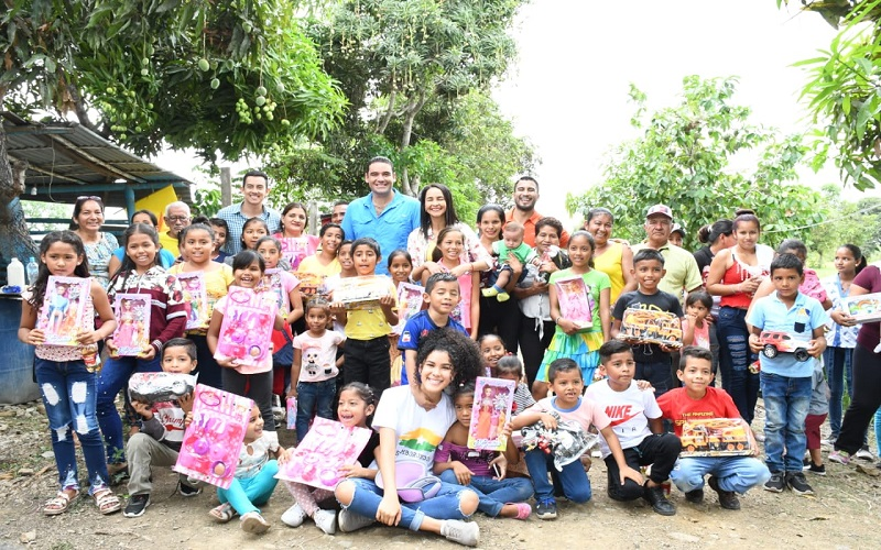 Photo of Niños fueron agasajados en Samborondón