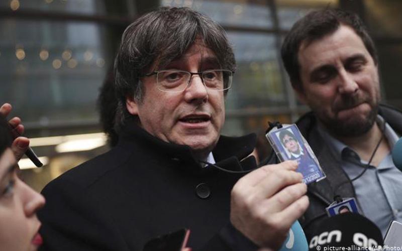 Photo of Eurocámara inicia proceso para decidir si levanta inmunidad a Puigdemont y Comín