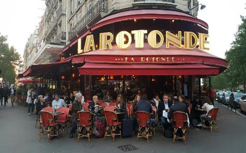 Photo of Incendio criminal de un restaurante de París frecuentado por Macron