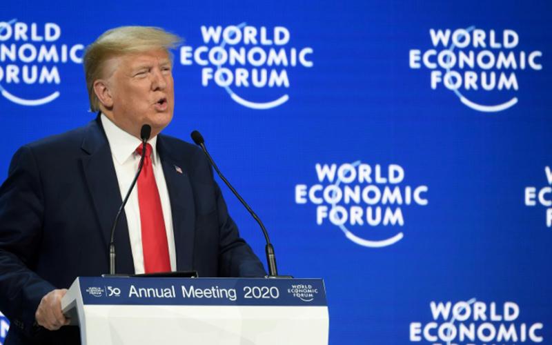 Photo of Trump denuncia en Davos el «catastrofismo» climático y Thunberg advierte que «no se ha hecho nada»