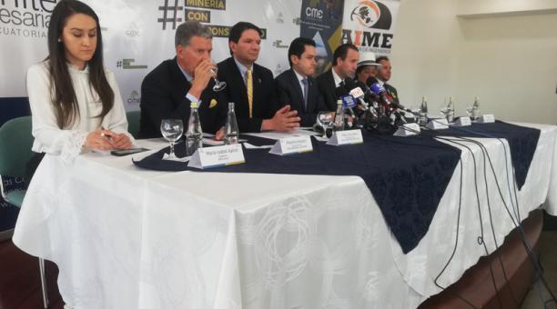 Photo of Cámaras se oponen a una eventual consulta antiminera en el Azuay