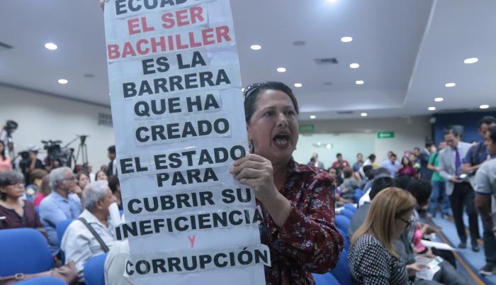 Photo of Moreno destituye al director del Ineval y genera reacciones