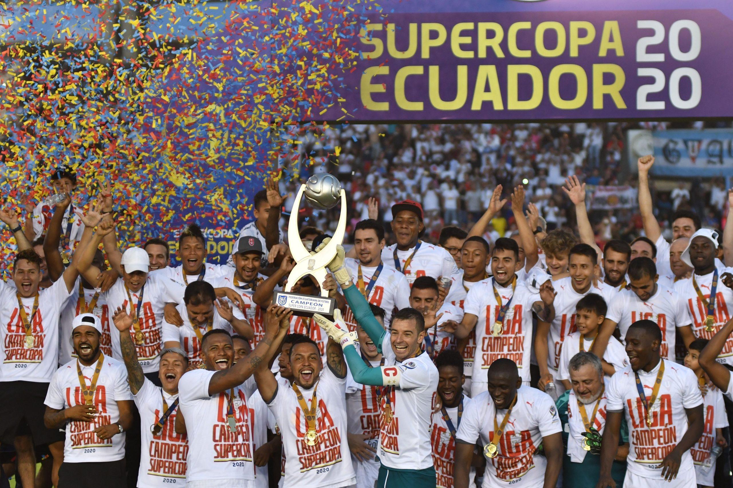 Photo of LDUQ venció por penales a Delfín y se quedó con la Supercopa de Ecuador 2020