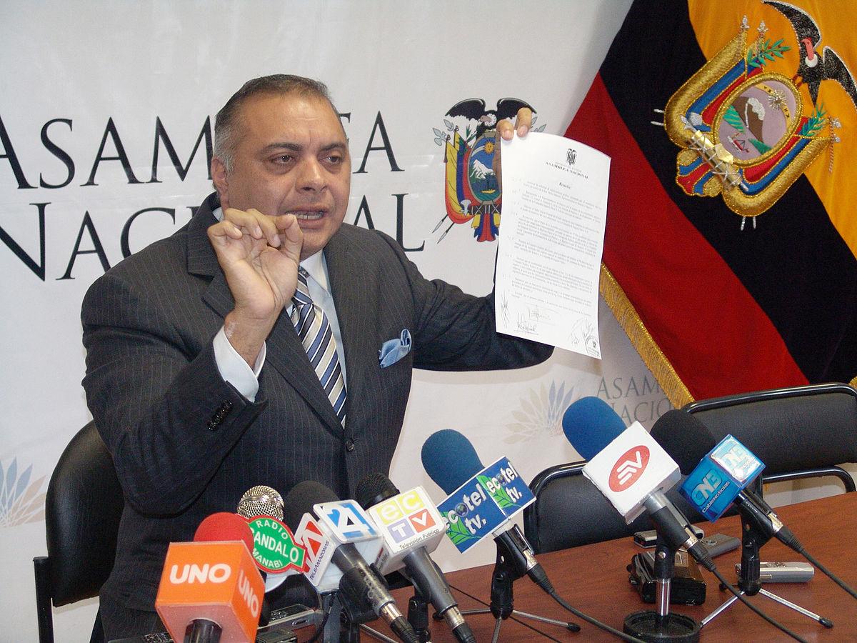 Photo of Galo Lara: Rafael Correa hizo del Estado una organización criminal que él dirigía