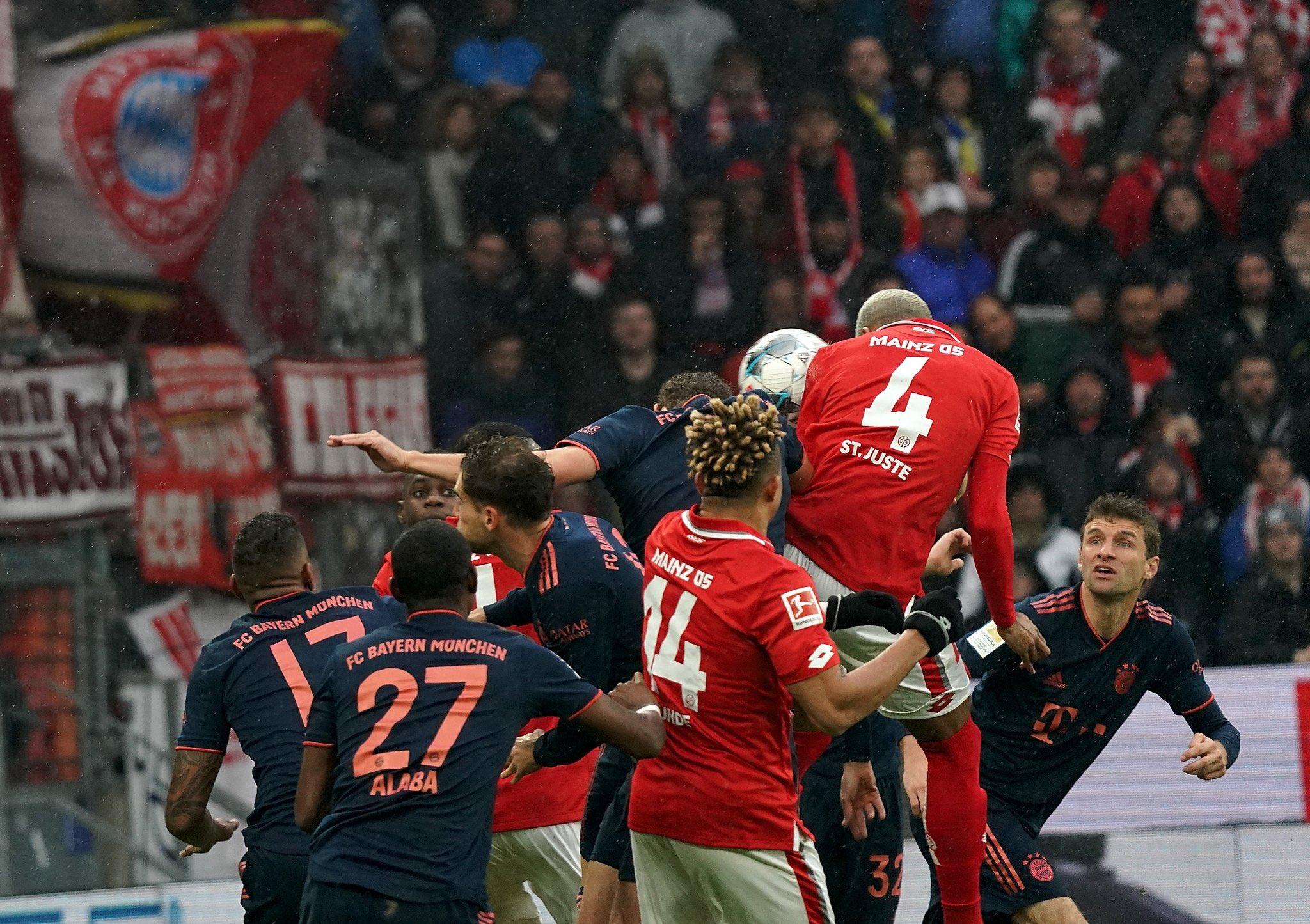 Photo of El Bayern Múnich se impuso (1 a 3) al Mainz y es líder provisional en la Bundesliga
