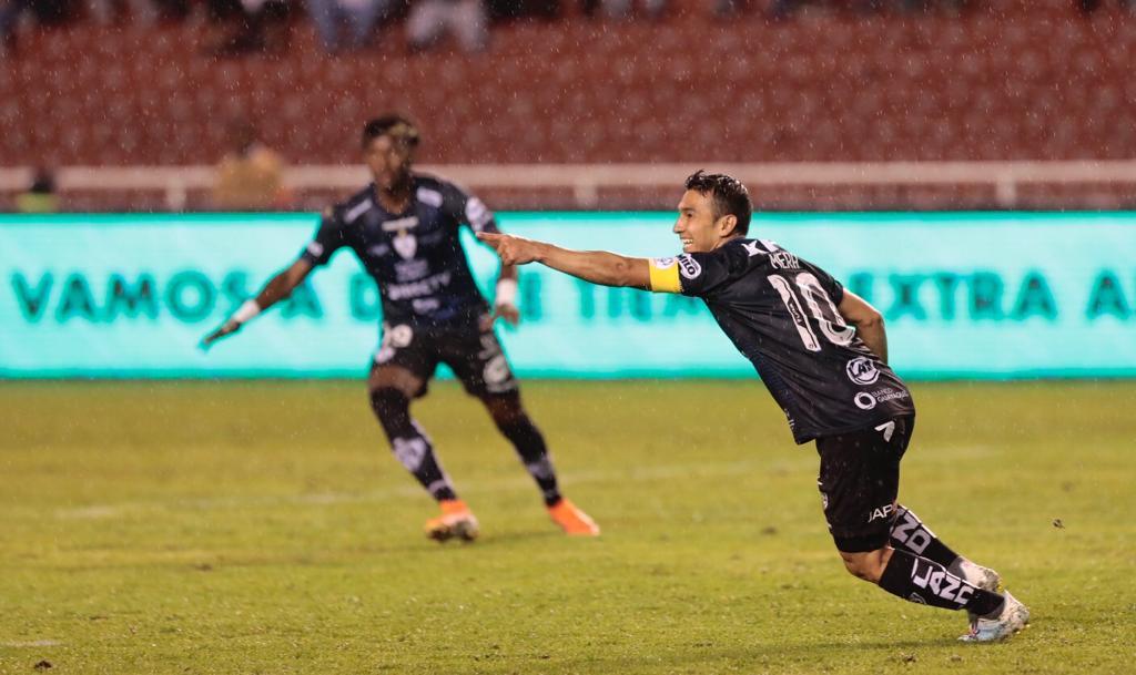 Photo of Independiente sorprende a domicilio (3-2) a Liga de Quito en un partidazo