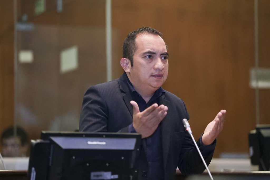 Photo of CAL definirá si Yofre Poma retoma su curul de legislador