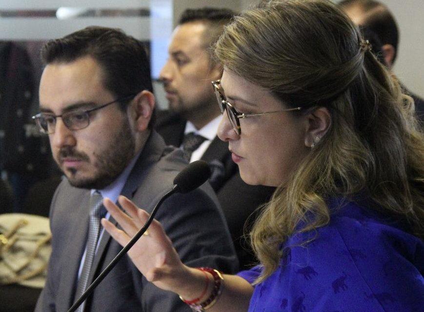 Photo of Martha Moncayo habla en la Asamblea sobre el proceso de concesión de CNT