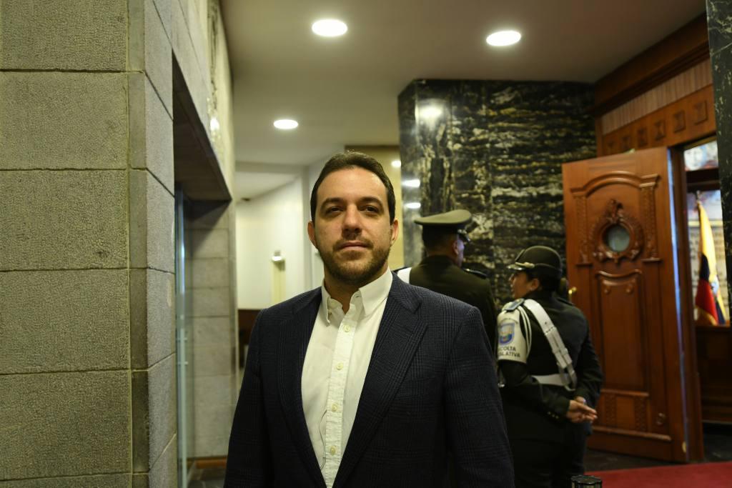 Photo of Roberto Gómez le responde a Lasso