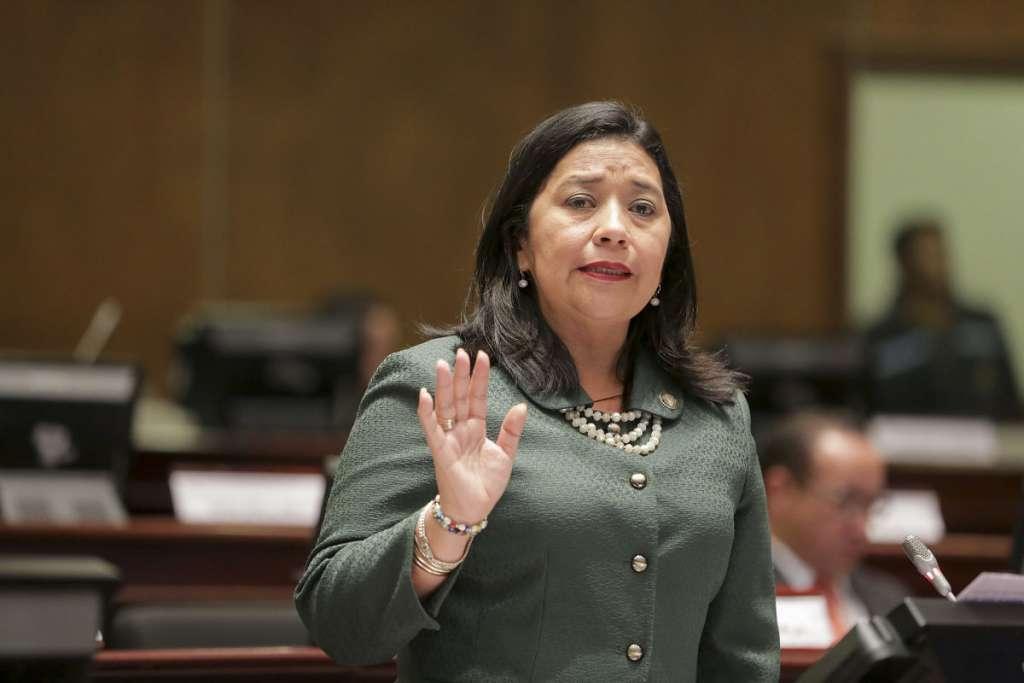 Photo of Karina Arteaga responde denuncia presentada por Villamar sobre tráfico de influencias
