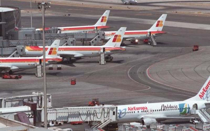 Photo of Aeropuerto Madrid Barajas empieza a operar tras cierre espacio aéreo por dron