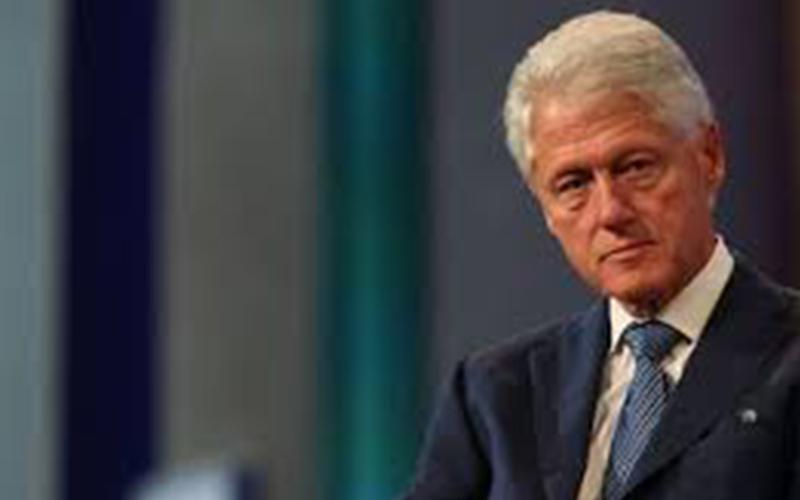 Photo of Bill Clinton dice se debe tratar a Puerto Rico como a cualquier parte de EEUU