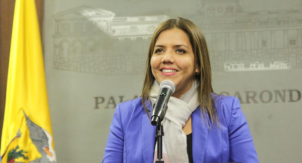 Photo of María Alejandra Vicuña recibe sueldo del SRI desde hace doce meses