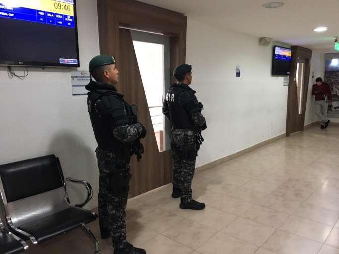 Photo of Director de cárcel de Latacunga es llamado a juicio por presunto abuso sexual a María Sol Larrea