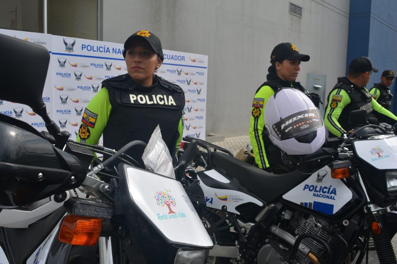 Photo of Se entregaron 50 motos para plan Más Seguridad en Guayaquil