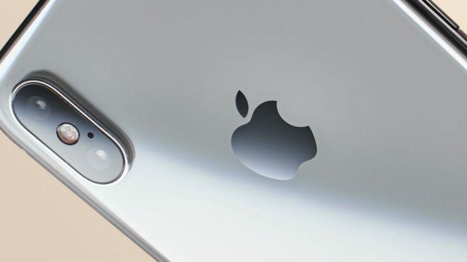 Photo of iPhone de Apple: la millonaria multa contra la firma de EE.UU. por hacer más lentos sus modelos más antiguos