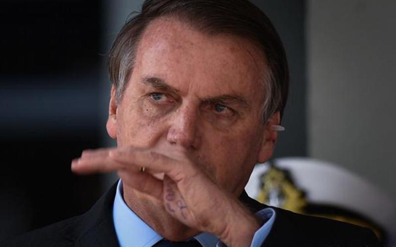 Photo of Bolsonaro ataca una vez más a la prensa brasileña