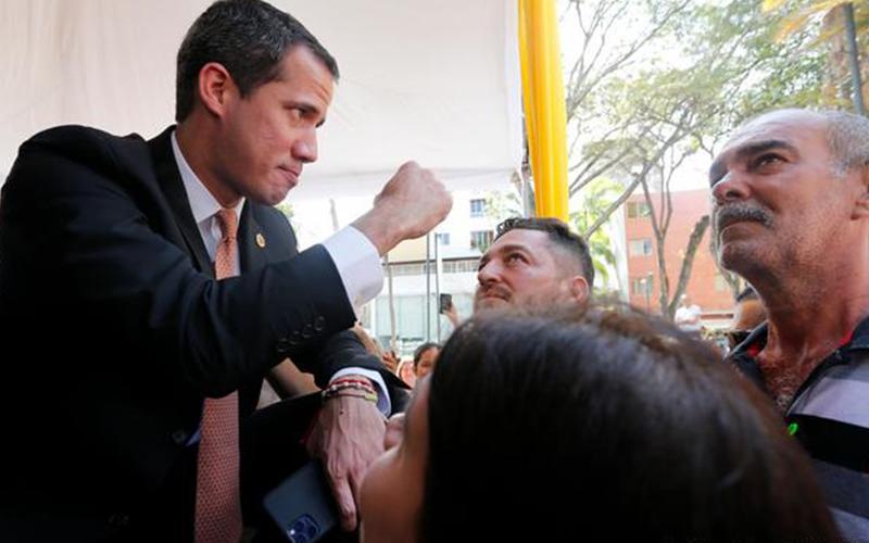 Photo of Colombia solicita a Guaidó la extradición de excongresista