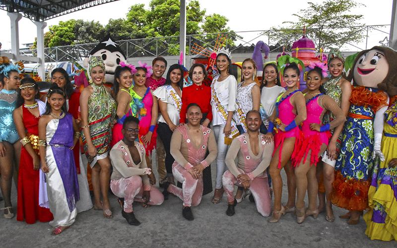 Photo of Presentación de las carrozas alegóricas y de las barcazas que participarán en los desfiles de Carnaval