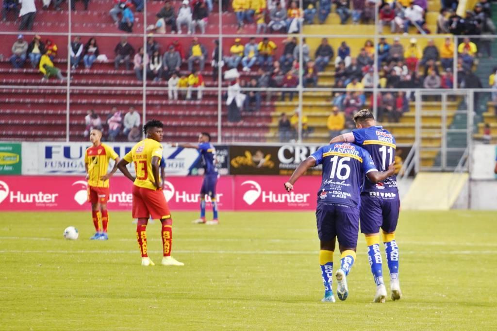 Photo of Delfín lo sufrió pero se lleva una victoria ante Aucas (2 a 1) en el reinicio del sábado
