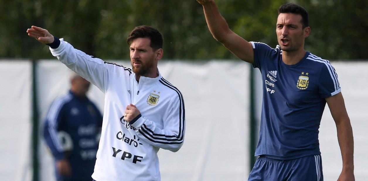Photo of Scaloni: «Messi juega con la misma responsabilidad en el Barça y en Argentina»