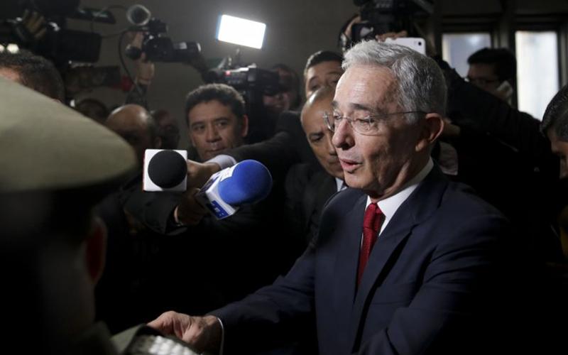 Photo of Uribe acusa a Maduro de manipular declaración de Aída Merlano