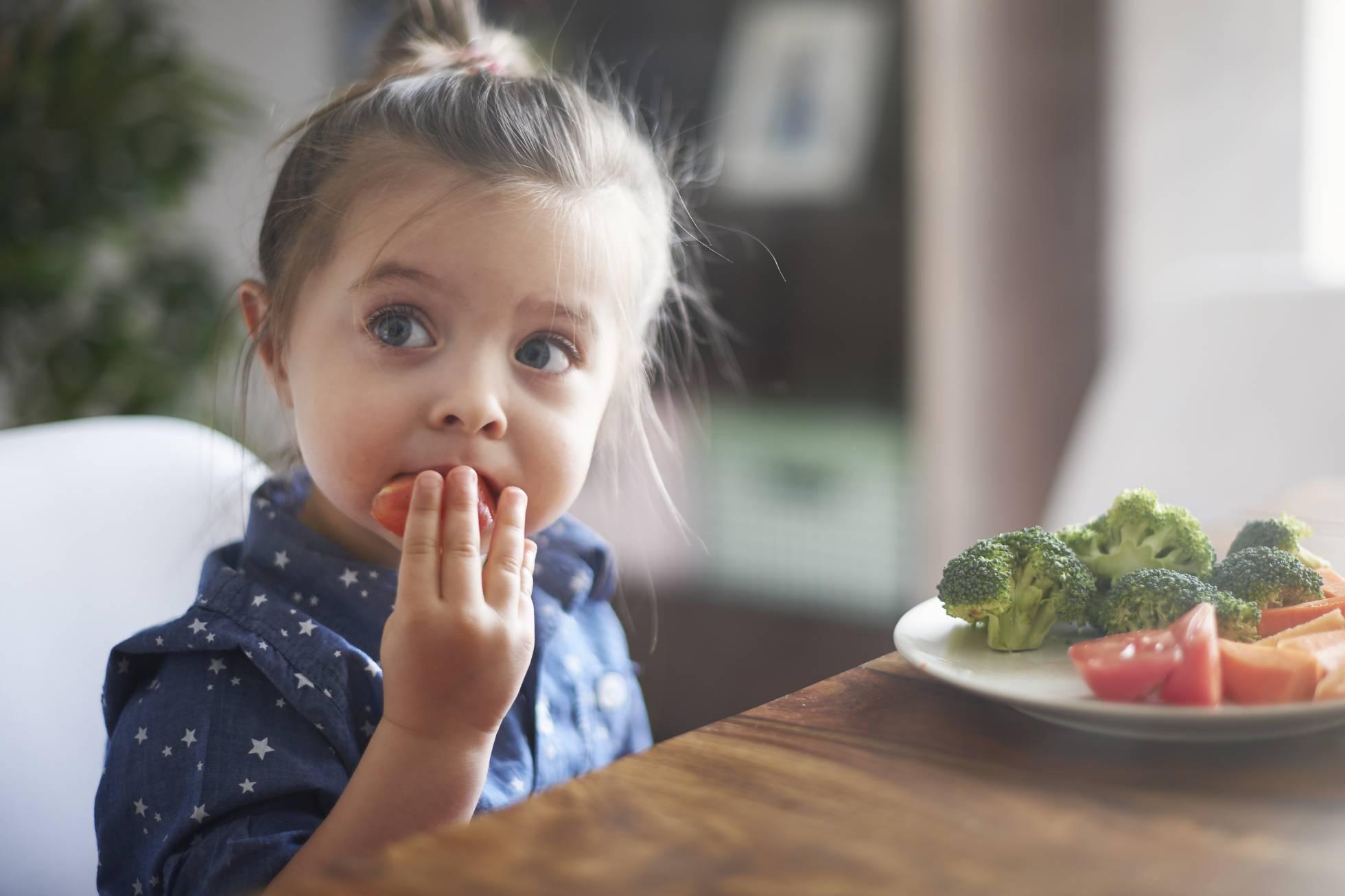 Photo of Si quieres que tu hijo sea vegetariano, planifica bien su dieta
