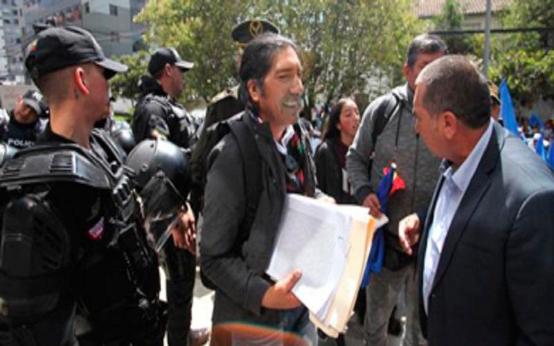 Photo of Corte Constitucional niega nuevamente pedido de consulta de Yaku Pérez