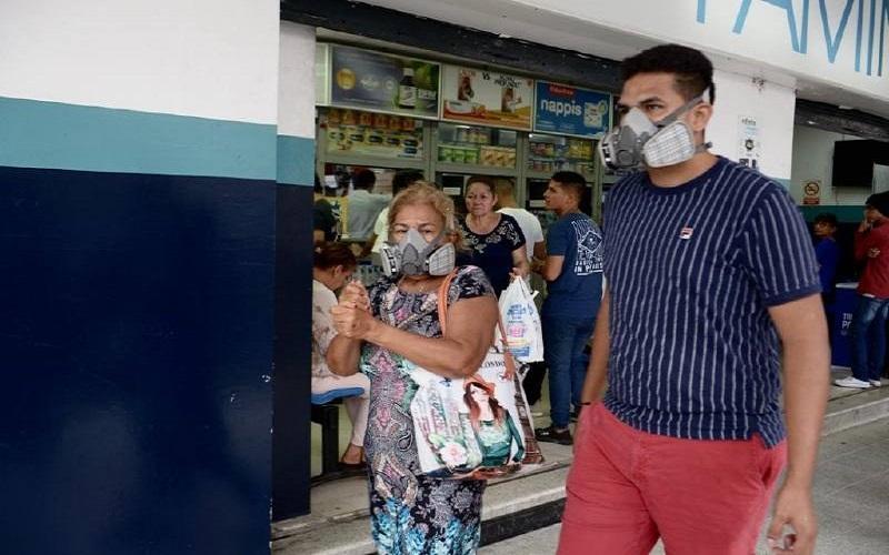 Photo of Demanda de mascarillas y alcohol se desbordó en Guayaquil