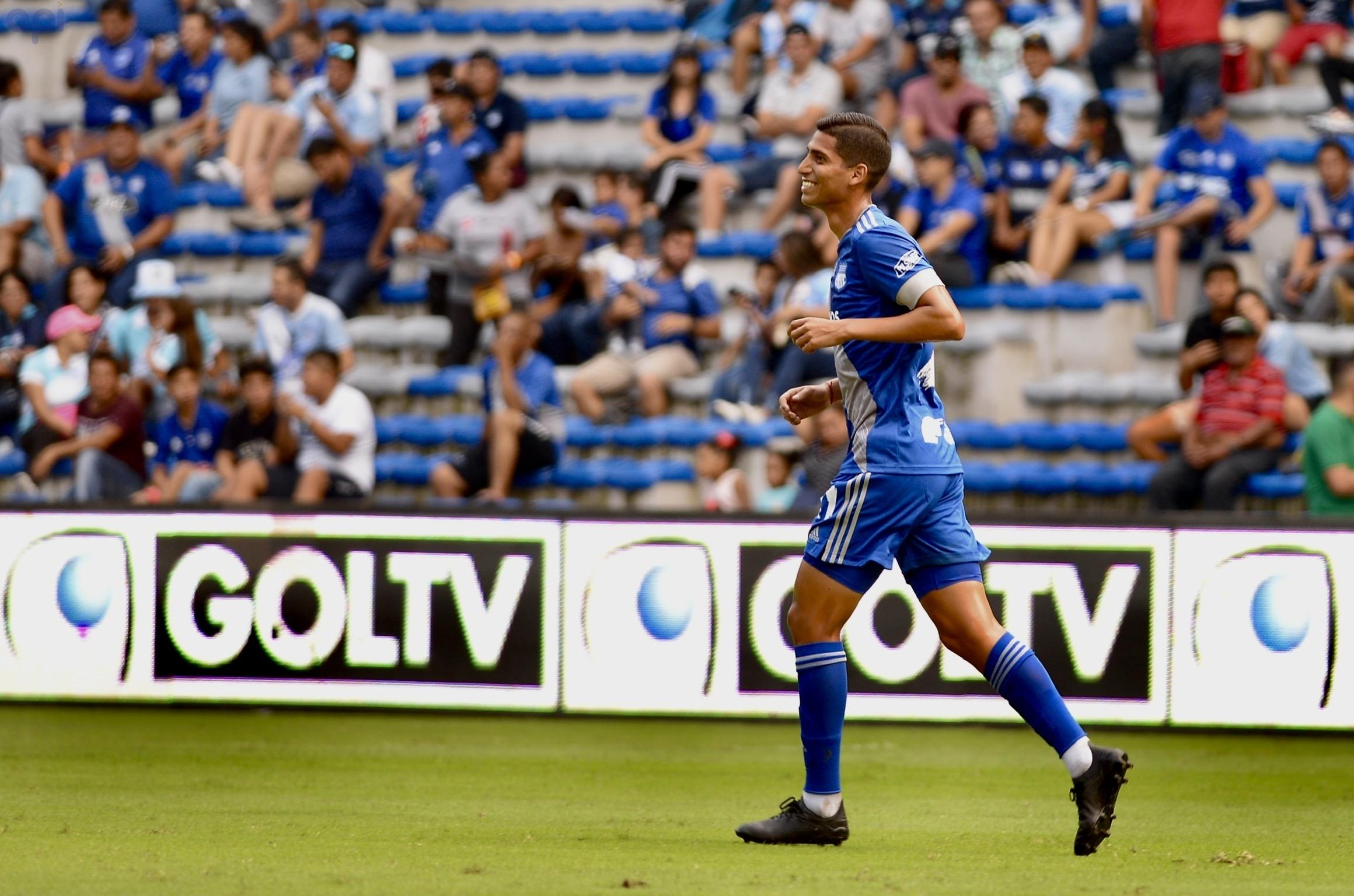 Photo of SE PRENDIÓ EL BOMBILLO: Emelec goleo 4-0 al Aucas en el Capwell