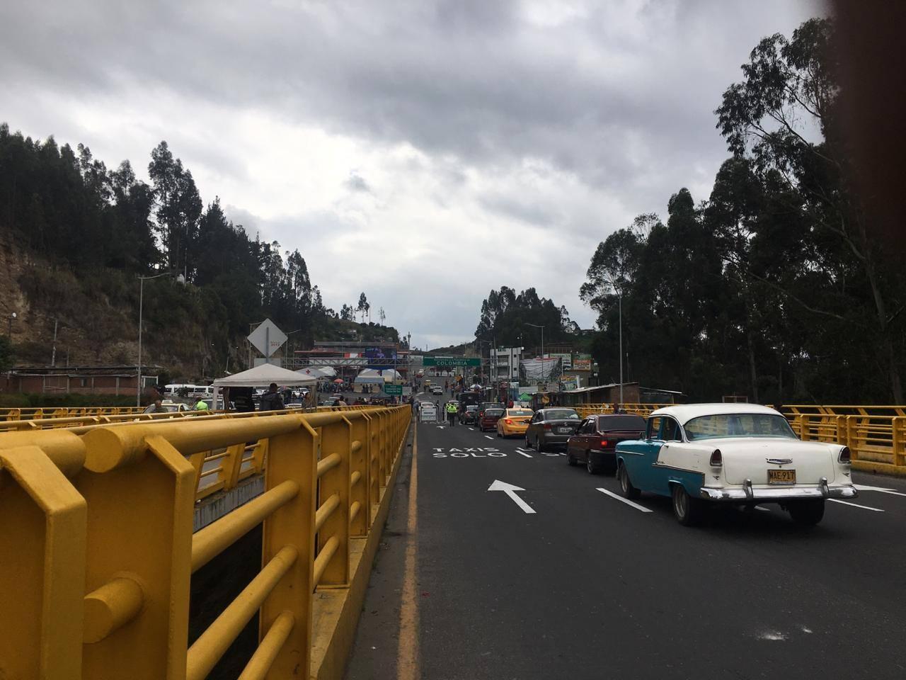 Photo of Restringen el ingreso del servicio público del Ecuador hacia Colombia por Coronavirus
