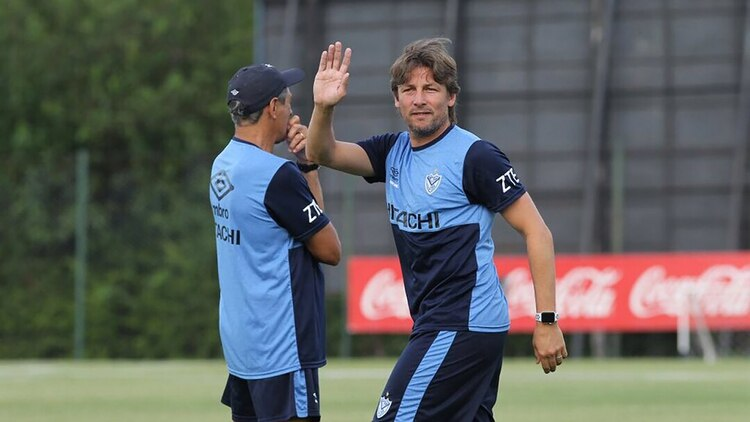 Photo of Gabriel Heinze fuera de Vélez Sarsfield