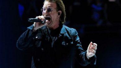 Photo of Bono compone tema a los trabajadores de salud que luchan contra el COVID-19