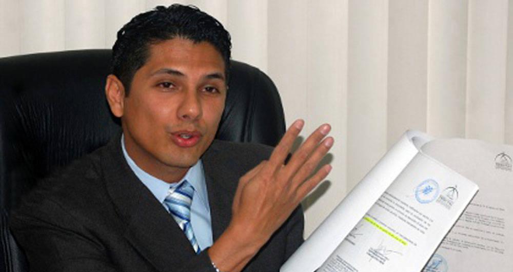 Photo of Balda: Correa transporta dinero de manera ilegal, a la sombra, a través de terceras personas