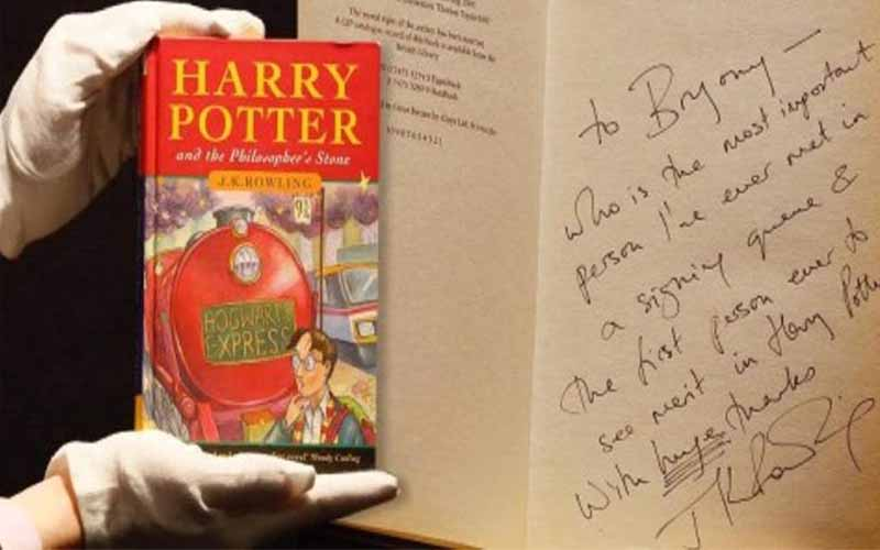 Photo of Un libro de Harry Potter firmado por su autora se vende por 122 000 dólares